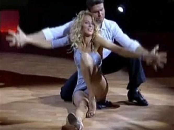 Burcu'nun nefes kesen dansı